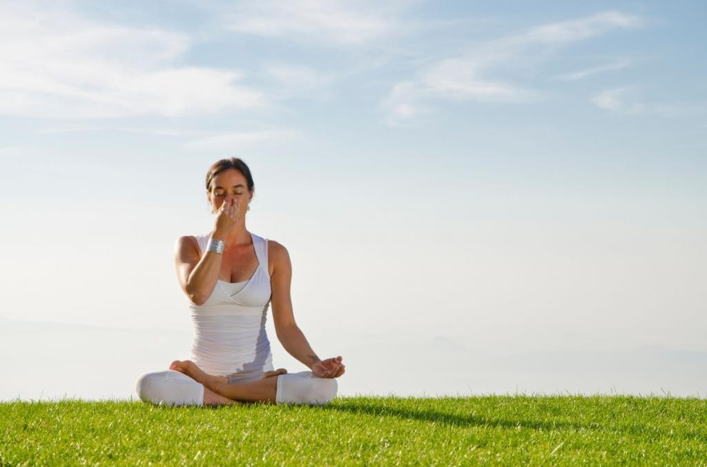 Как научиться дышать в йоге
