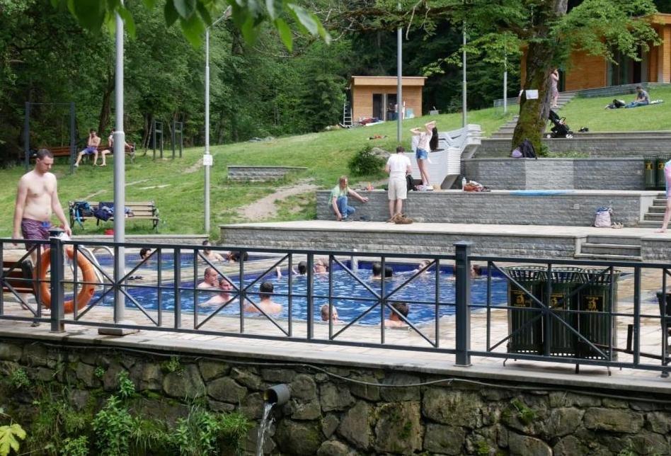 термальные источники грузии где купаться самим