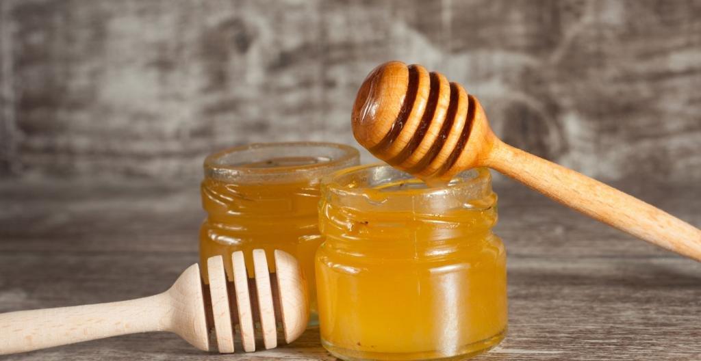 две баночки с медом