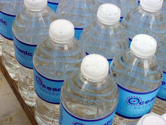 зачем пить воду 2 литра в день