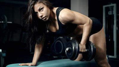 Из-за спорта задержка месячных - что делать? Могут ли силовые тренировки нарушить менструальный цикл