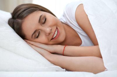 На каком боку лучше спать: рекомендации врачей