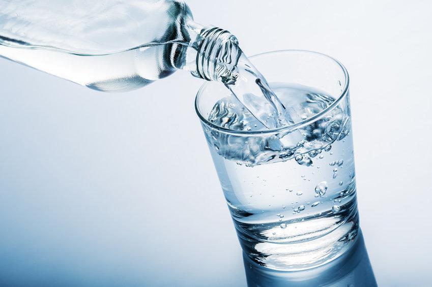 Наливать воду